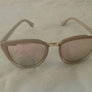 Anthrolopogie Kankakee Cat-Eye Sunglasses